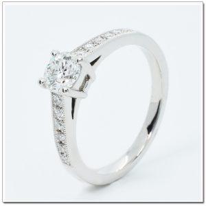 แหวนทองคำขาว แหวนแพลทินัม เพชรน้ำ 98
