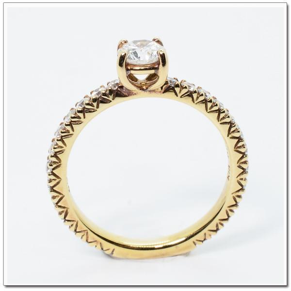 แหวนทองฝังเพชร น้ำ 95