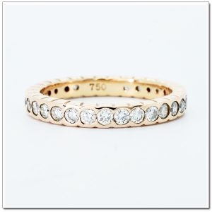 Eternity ring pink gold
