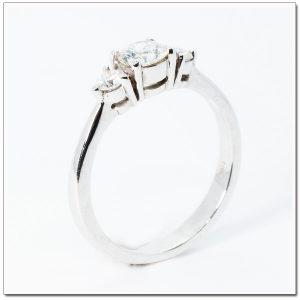 แหวนเพชร 3 เม็ดเรียง Trinity