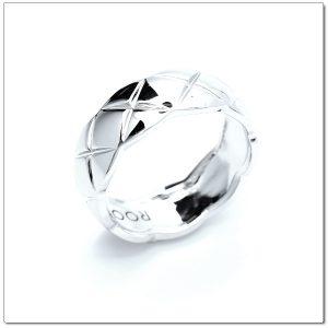 แหวนเกลี้ยงทองคำขาว