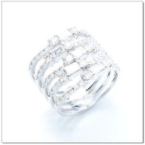 แหวนเพชรสี่เหลี่ยม ดีไซน์สุดเก๋ไก๋