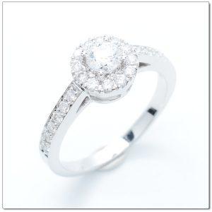 ็Halo Diamond ring D color