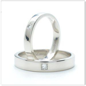 แหวนแต่งงานทองคำขาว